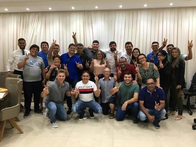 """DEM e MDB vivem """"Lua de Mel"""" em São Bento. Jarques em reunião parabenizou também auxiliares"""